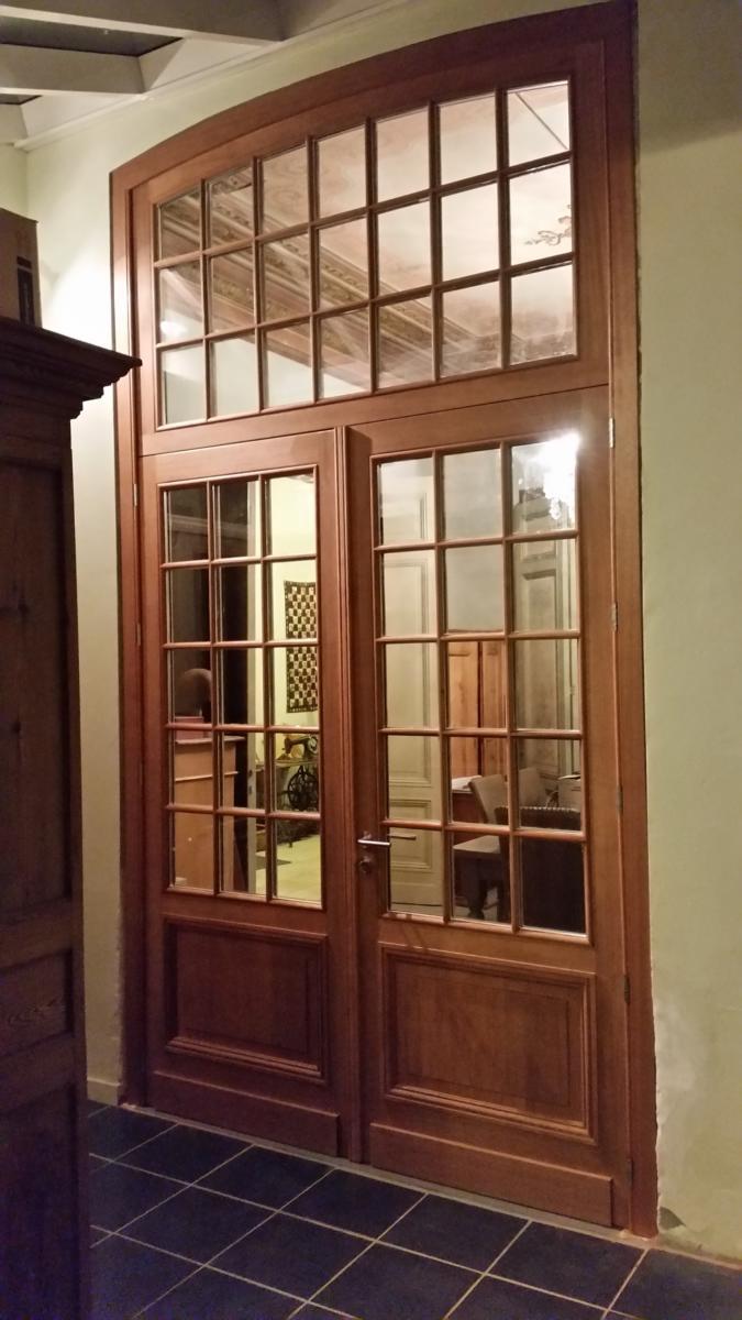 Schrijnwerkerij Van Damme & Zoon - Interieur - Houten ramen en deuren, aluminium, pvc, houtschrijnwerk, timmerwerken